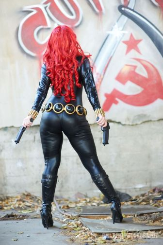 mostawesomesauce.com_MAS_media_Jennifer_Ravensong_Cosplaying_Black_Widow_Back_Hammer_Sickle