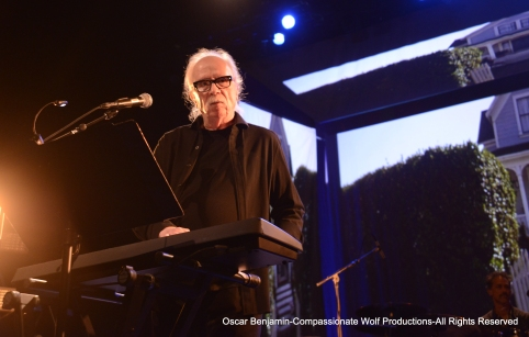John_Carpenter_in_concert_at_the_Warfield_in_SF_Photographed_by_Oscar_Benjamin_2017
