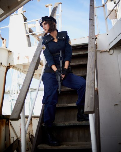 mostawesomesauce.com_Resident_Evil_Siren's_Song_by_Bill_Ried_Jill_Valentine_played_by_Micaela_Rubio_Decending_Stairs